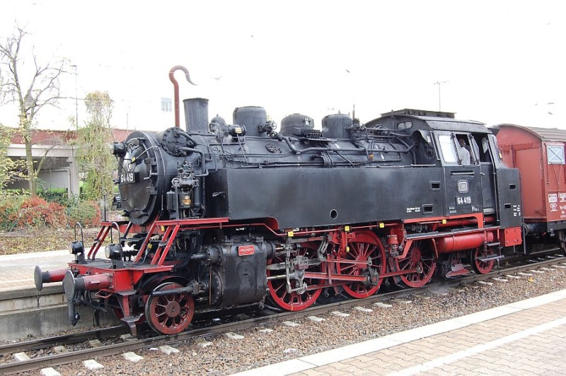 Die 64 419 im Bahnhof Waiblingen 0111