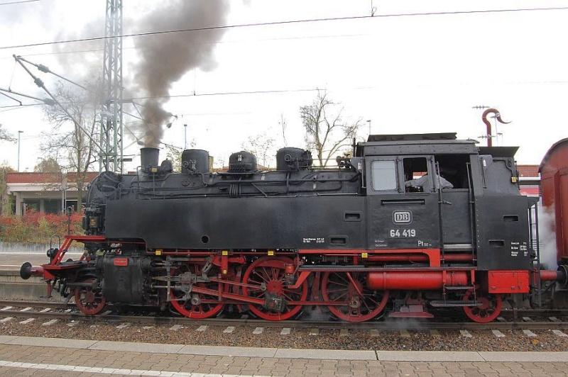 Die 64 419 im Bahnhof Waiblingen 0211