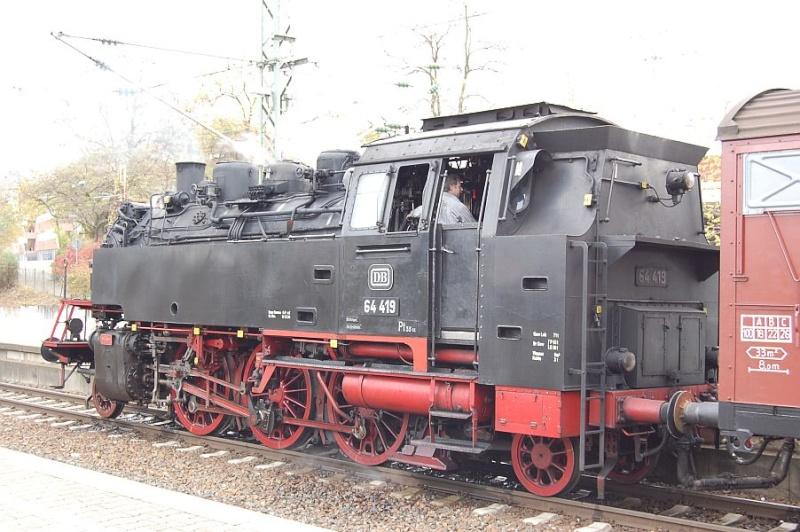 Die 64 419 im Bahnhof Waiblingen 0411