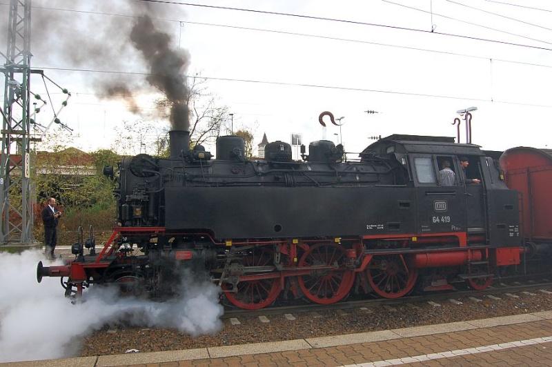 Die 64 419 im Bahnhof Waiblingen 0611