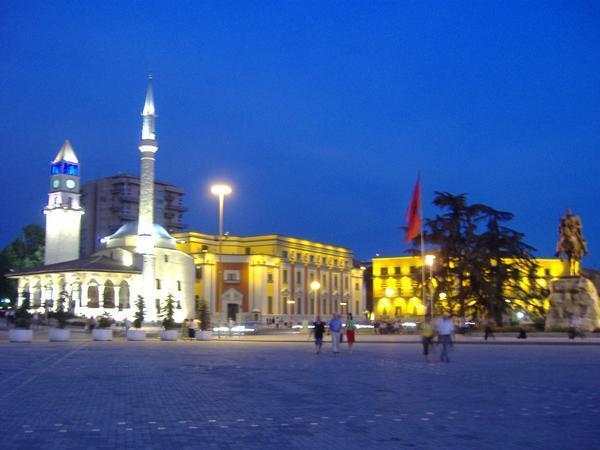 Petite promenade désabusée à Tirana Tirana10