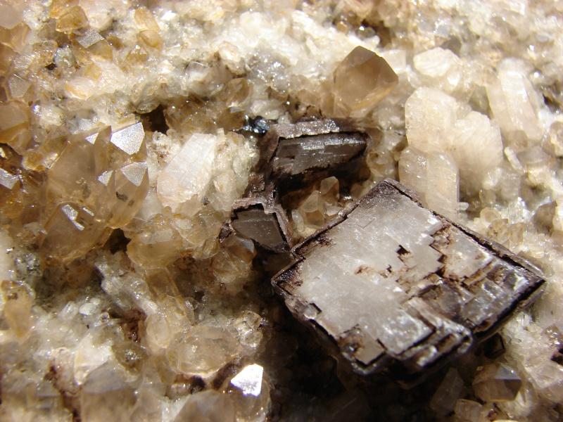 Quartz & minéraux du massif du Mont Blanc secteur Argentière Dsc05017