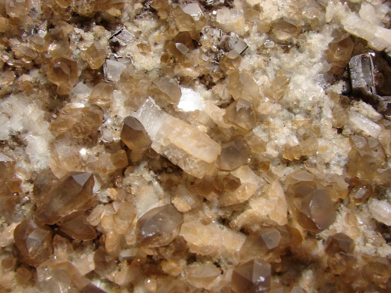 Quartz & minéraux du massif du Mont Blanc secteur Argentière Dsc05112