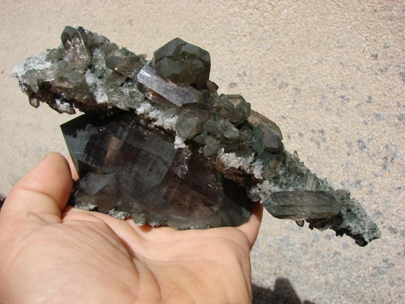 Quartz & minéraux du massif du Mont Blanc secteur Argentière Dsc05915