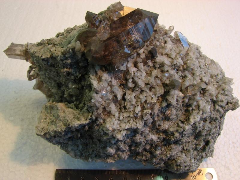 Quartz & minéraux du massif du Mont Blanc secteur Argentière Dsc06026