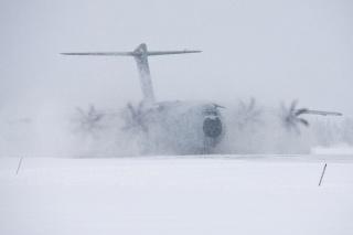 L'A400M effectue ses premiers essais de ravitaillement en vol 99711