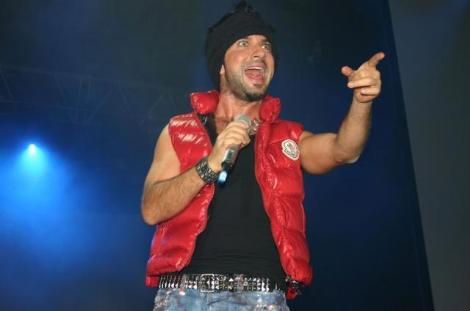 A Funny Pic - Page 3 Tarkan10
