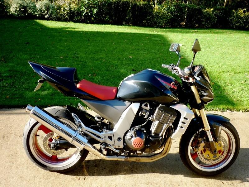 [VENDU] Z 1000 de 2003 noir/rouge P1140410