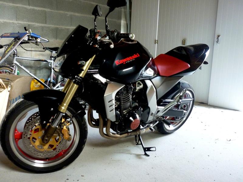 [VENDU] Z 1000 de 2003 noir/rouge P1140710