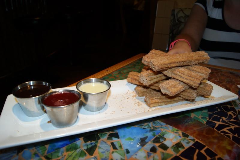 Restaurants dans les resorts Disney Américains (WDW, DLR) - Page 3 Bongo10