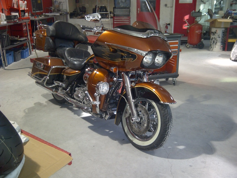 ROADGLIDE ULTRA CVO 00910