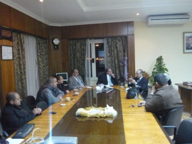 إجتماع مع السيد المستشار ماجد الشربيني  لمناقشة قضية أرض النادي P1030218