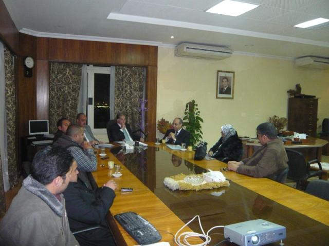 إجتماع مع السيد المستشار ماجد الشربيني  لمناقشة قضية أرض النادي P1030222