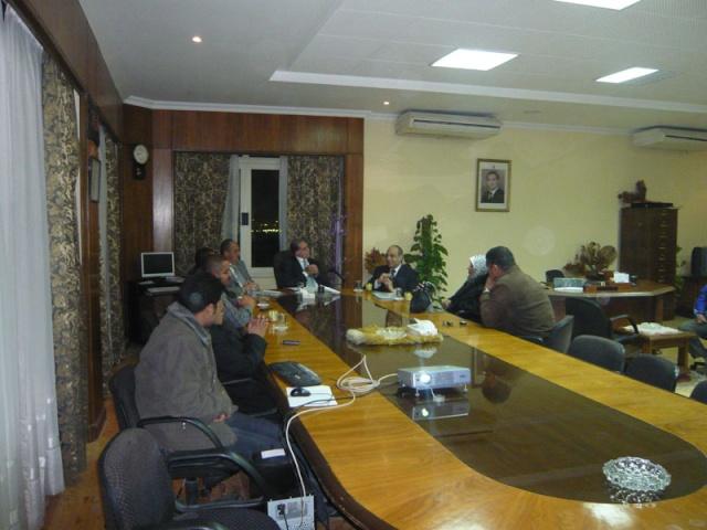 إجتماع مع السيد المستشار ماجد الشربيني  لمناقشة قضية أرض النادي P1030312