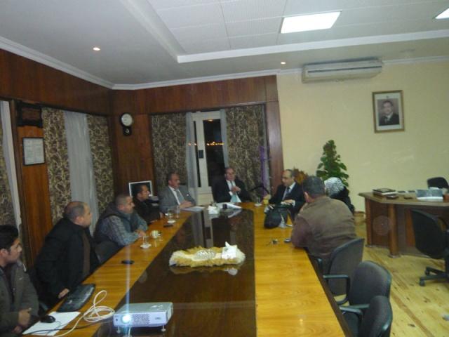 إجتماع مع السيد المستشار ماجد الشربيني  لمناقشة قضية أرض النادي P1030313