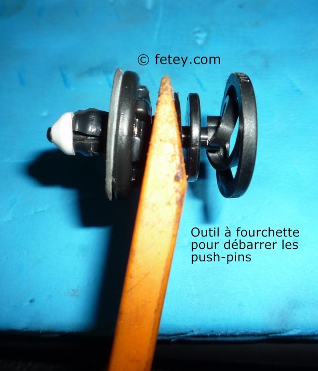 Jetta 2011, panneau de porte et push-pins P1110210
