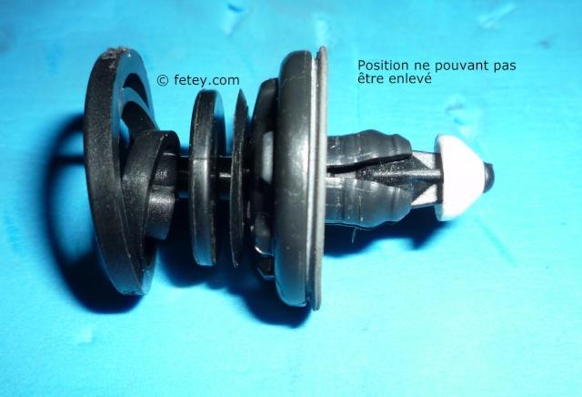 Jetta 2011, panneau de porte et push-pins P1110211
