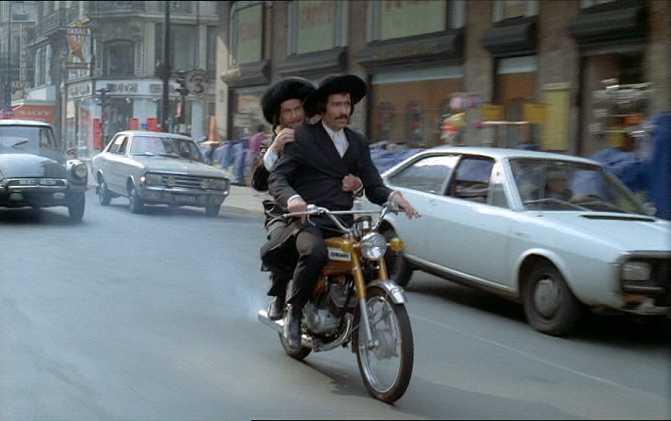 Dans les films 1972_r12