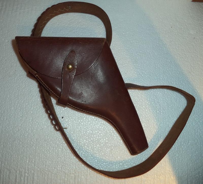 Canadian WW1 leather belt & leather shoulder holster  2013-014