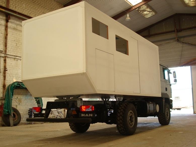 camping car à partir d'un Renault 110-170 4x4 : H310