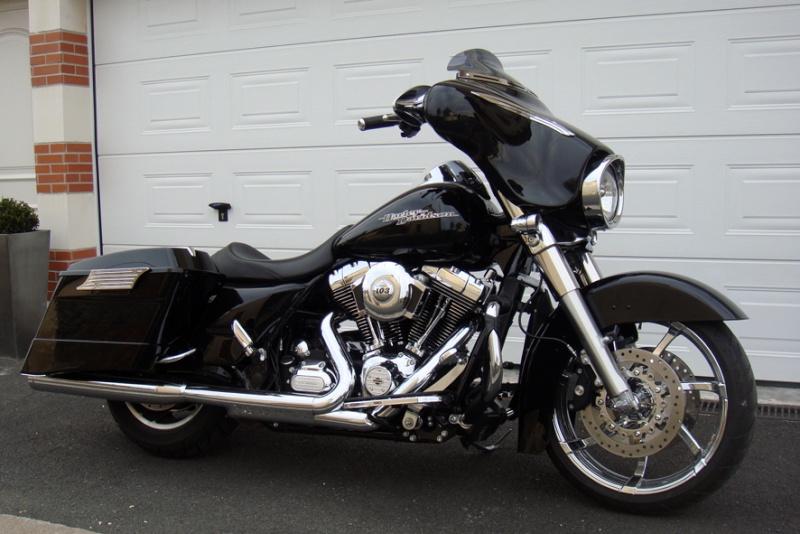 combien de STREET GLIDE  sur le forum Passion-Harley Dsc02717