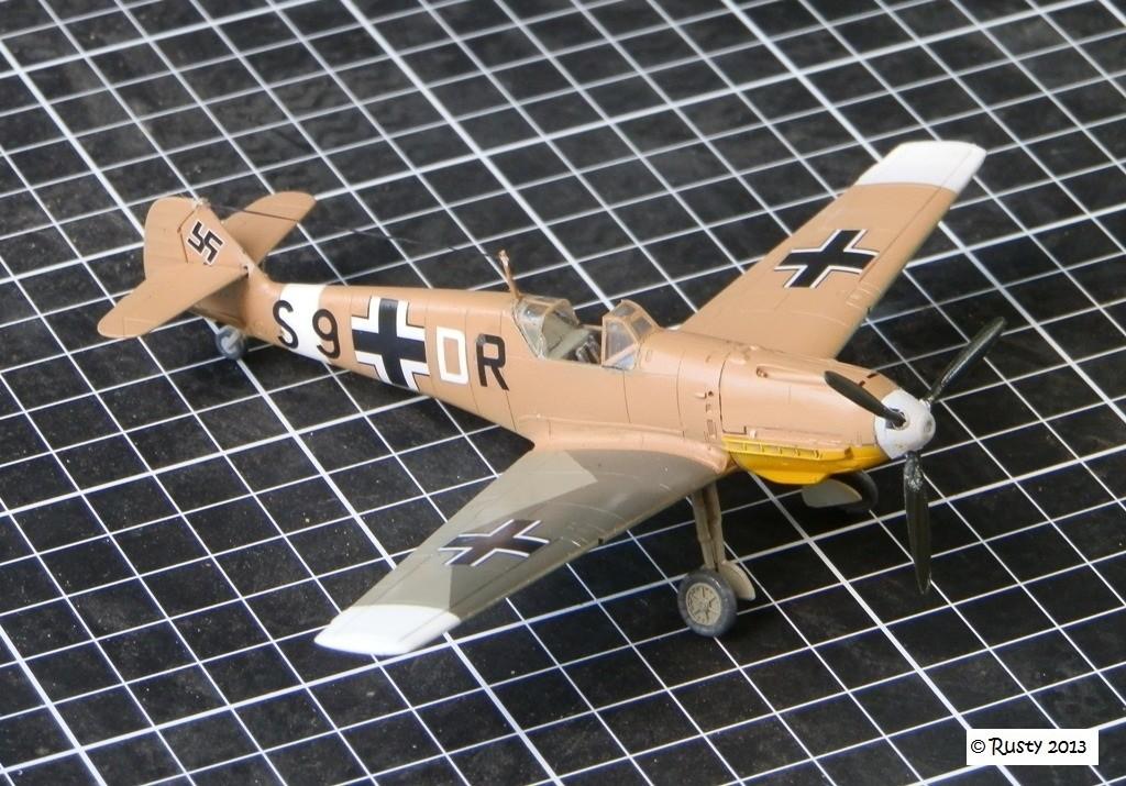 Messerschmitt Bf109E-7 Trop [ICM 1/72] P8103111