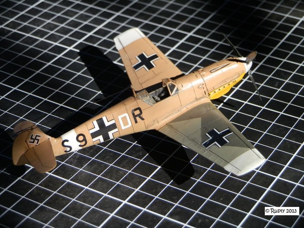 Messerschmitt Bf109E-7 Trop [ICM 1/72] P8113113