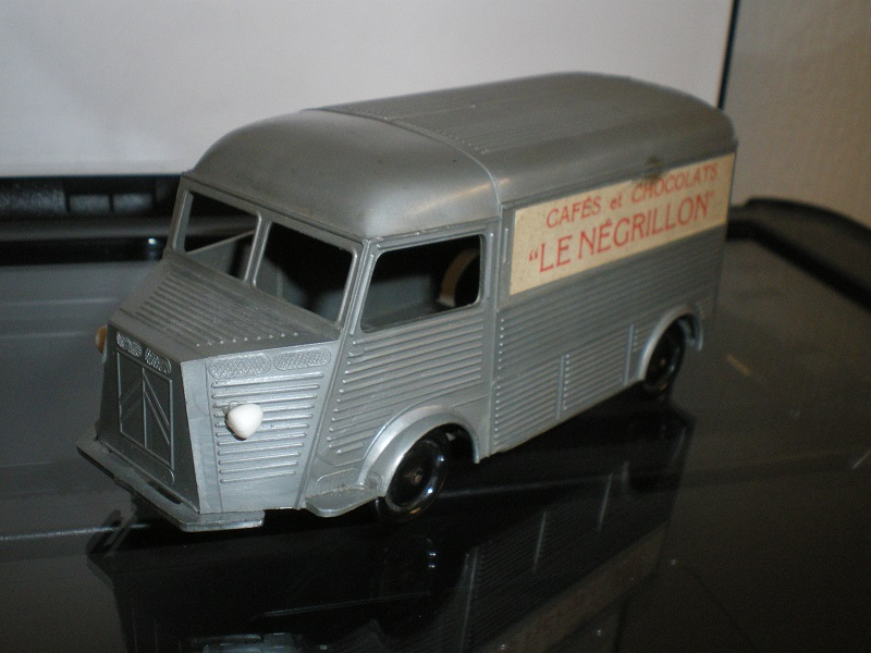 """Citroën : """"Et Dieu créa les MINIALUXE"""" Imgp1543"""