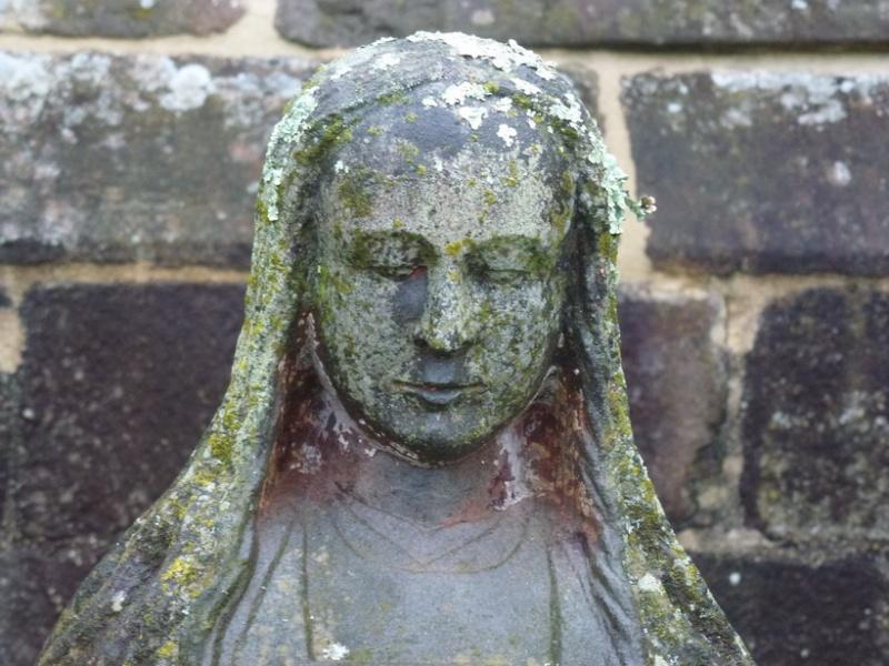 La statue de Sainte Apolline, à Brasparts P1040912