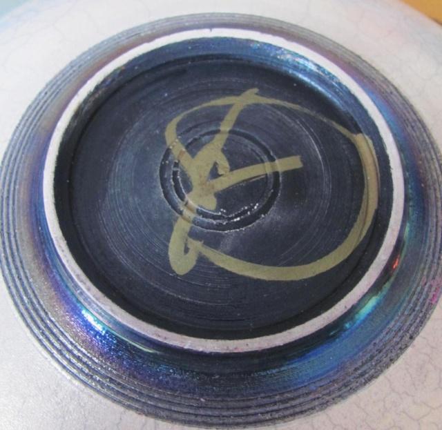 Raku Bowl signed in gold - Probably John Dunn Img_3820