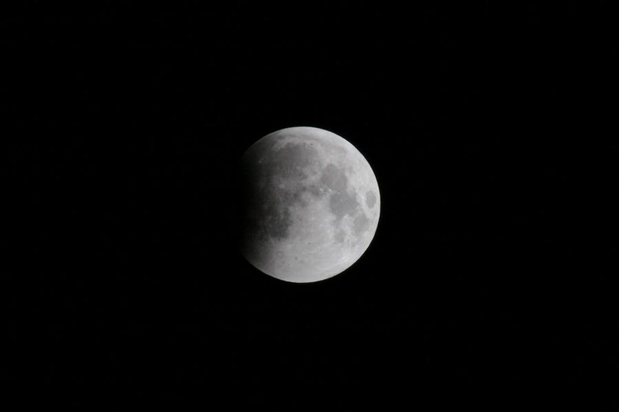 L'éclipse de Lune de ce matin Lune_010