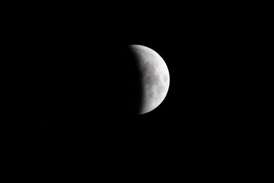 L'éclipse de Lune de ce matin Lune_011