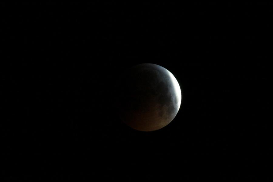 L'éclipse de Lune de ce matin Lune_013
