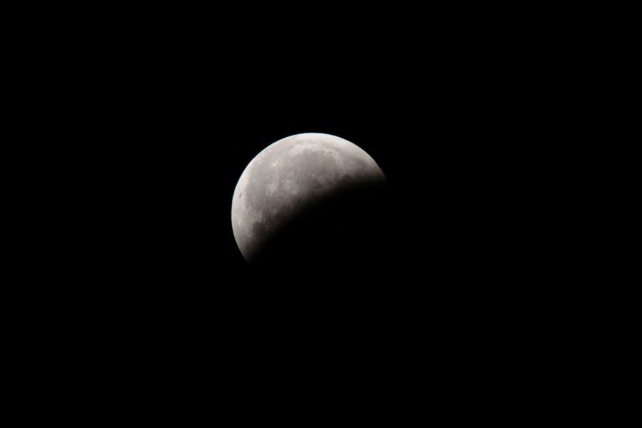 L'éclipse de Lune de ce matin Lune_112