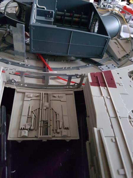 """La construction du """"Faucon Millenium"""" d'Altaya - Page 2 M020_s10"""