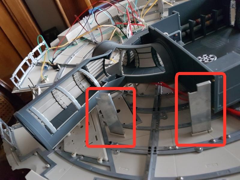 """La construction du """"Faucon Millenium"""" d'Altaya - Page 2 M021_s10"""