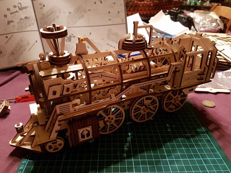 """La locomotive à vapeur en bois de chez """"Nature & Découvertese""""  - Page 2 M056_012"""