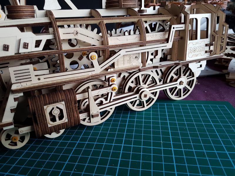 """La locomotive à vapeur en bois de chez """"Nature & Découvertese""""  - Page 2 M056_017"""
