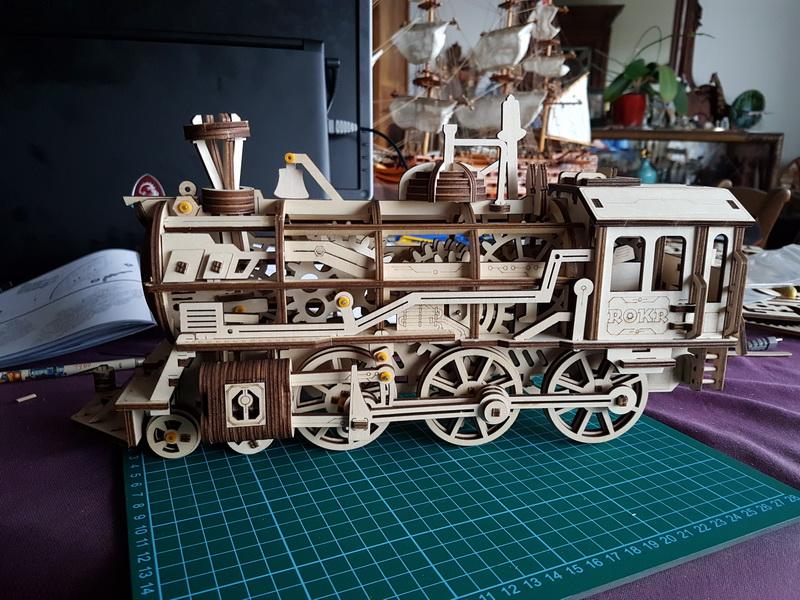 """La locomotive à vapeur en bois de chez """"Nature & Découvertese""""  - Page 2 M056_021"""