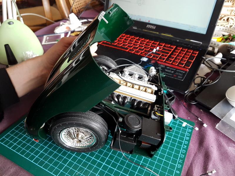 La Jaguar de type E par Altaya - Page 3 M075_018