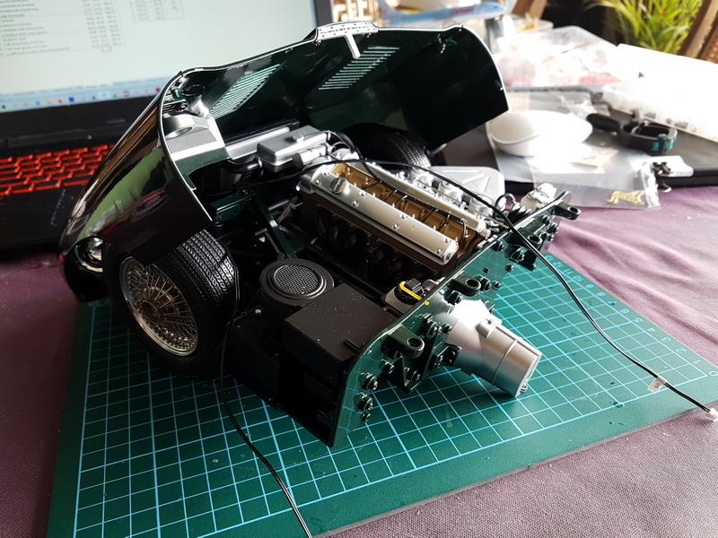 La Jaguar de type E par Altaya - Page 3 M075_110