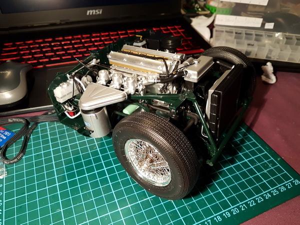 La Jaguar de type E par Altaya - Page 3 P09-3415