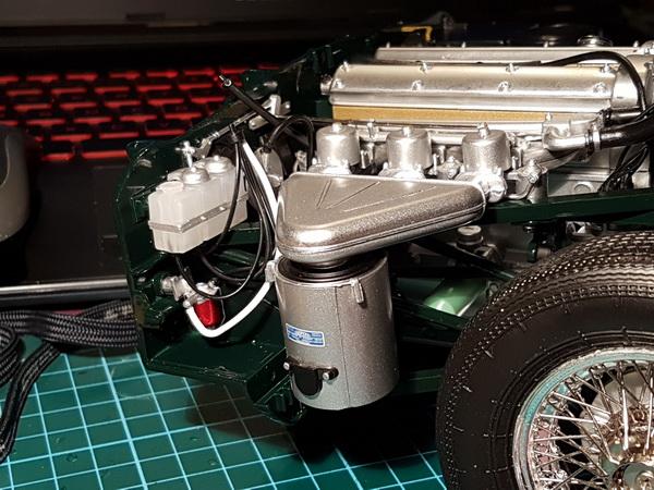 La Jaguar de type E par Altaya - Page 3 P09-3419