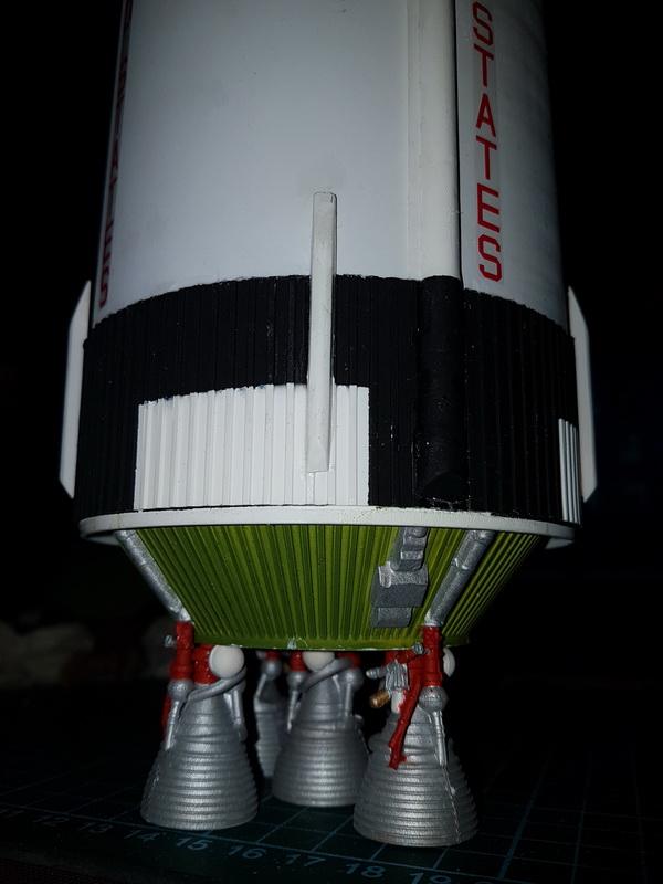 Montage de la fusée Saturn V pour le vol Apollo 11 - Page 7 P21_1012