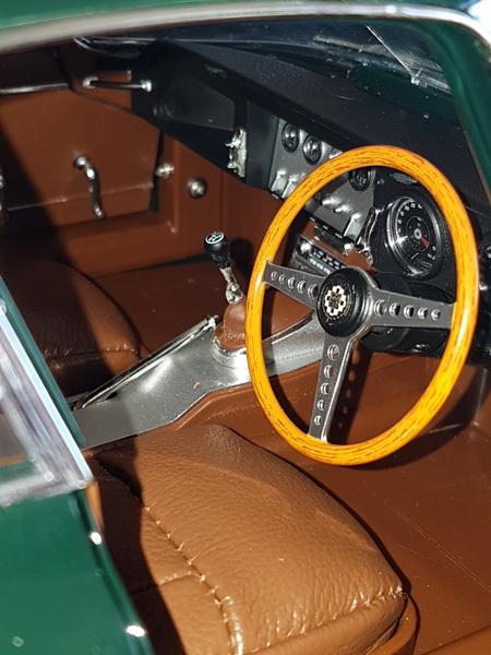 La Jaguar de type E par Altaya - Page 5 P22_9130