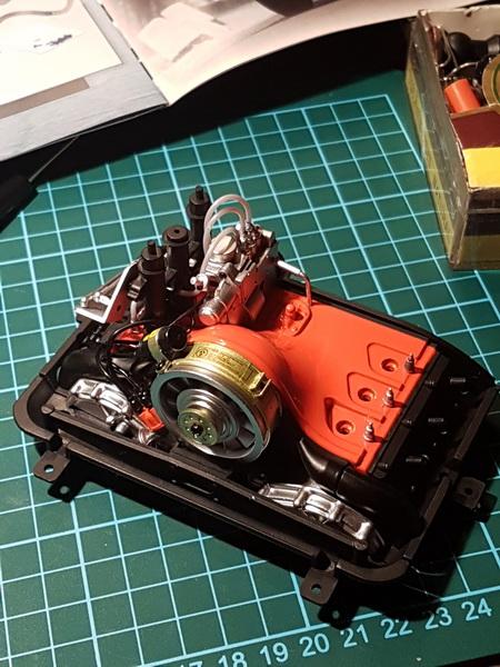 La construction de la porsche 911 Carrera d'Altaya au 1/8 ème Porsch11