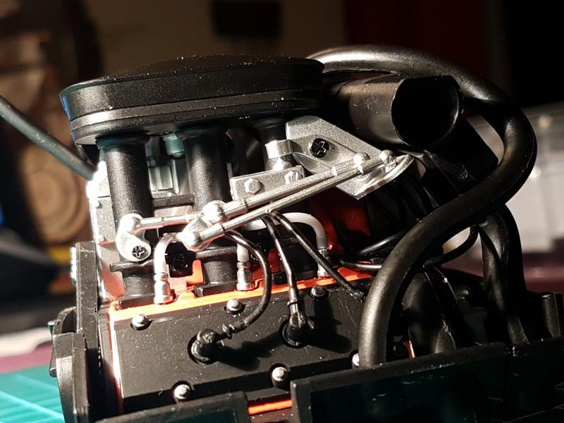 La construction de la porsche 911 Carrera d'Altaya au 1/8 ème Porsch17
