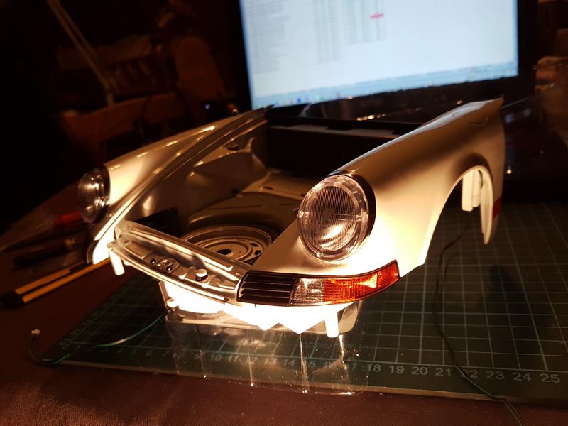 La construction de la porsche 911 Carrera d'Altaya au 1/8 ème - Page 2 Szorie28