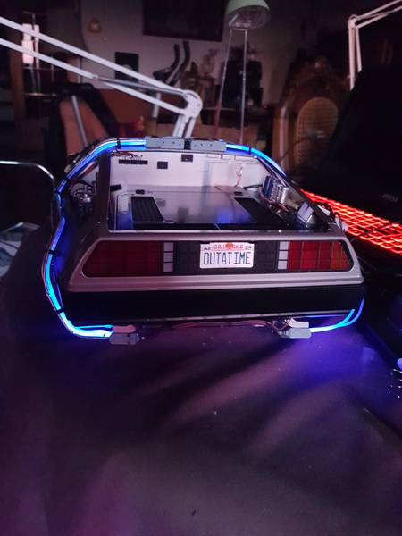 "La Delorean du ""Retour vers le futur""collection Eaglemoss au 1/8° - Page 3 Szorie48"