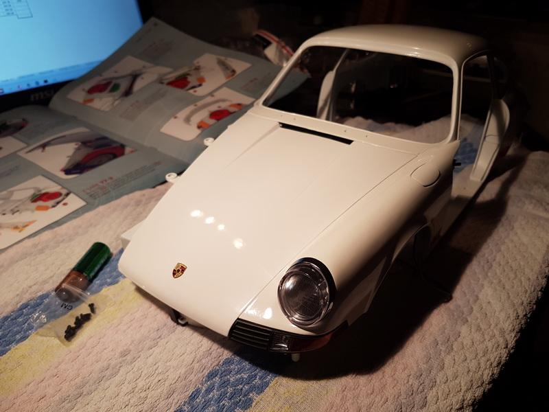La construction de la porsche 911 Carrera d'Altaya au 1/8 ème - Page 2 Szorie52